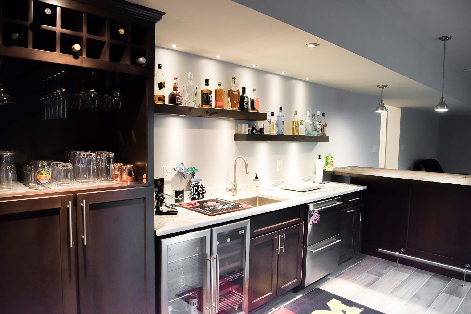 Under bar basement wet bar under stairs best for Bar with cabinets under